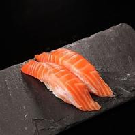 【立ち食い寿司】1皿140円~