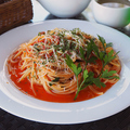 料理メニュー写真バジルとモッツァレラのトマトソース