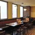 少人数~大人数の団体様までOK!テーブルを自由自在に移動して、お客様の人数に合わせたお席をご提供いたします。接待などにも最適な落ち着いた雰囲気のお部屋や個室もご用意しています。大船駅周辺の接待や会食が可能な和食個室居酒屋をお探しの方は刺身居酒屋うおや一丁大船店へ!