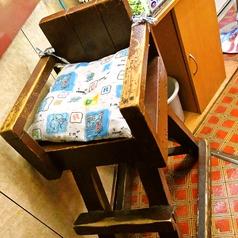 お子様用の椅子もご用意しております。お気軽にお声掛け下さい。