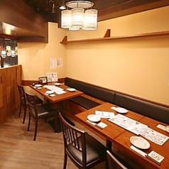 8名様用の個室です。落ち着いた空間で接待、仲間内との飲み会に最適。様々なシーンでご利用頂けます。