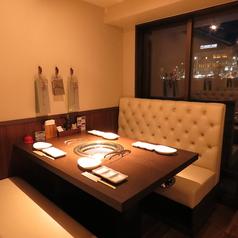 大人も高揚する【松阪牛】の品揃え。松阪牛最高級品質シャトーブリアンや希少な部位も堪能でき特別な記念日、デートになること間違いなし。スパークリングワイン、ボトルワインでのご用意も豊富に揃えております