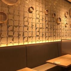 明るく広い店内は、ご家族、ご友人とのお食事にぴったり☆バラエティ豊かな本格料理を食べながら、楽しくお過ごし頂ける空間をご用意しております♪