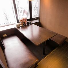 少人数のテーブル個室はデート・接待に最適
