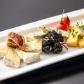料理メニュー写真4種のチーズプレート