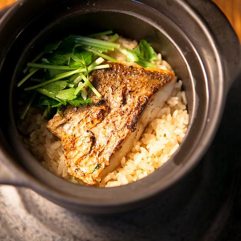 鯛の土鍋ご飯が味わえる♪4500円コース飲み放題付