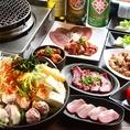 KARAKARA春日井店ではこだわりの焼肉ともつ鍋を存分にお楽しみ頂けるコースが多数ございます!店長一押しの『焼&鍋スタンダードコース』は中落ちカルビ、せせりのからから焼きと、当店の一番人気「からから鍋(もつ鍋です♪)」を味わうことができる人気コース。もつ鍋の〆の雑炊、デザートまでこだわっております!