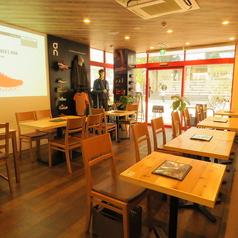 iro-hana いろはな かふぇ 食堂の雰囲気1