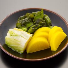 料理メニュー写真お新香盛り/ゆでたて枝豆/ポテトフライ
