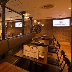 2名様~ご利用可能なテーブル席もあり!4名様や6名様など、人数に合わせてご案内・テーブルのセッティングをいたします。