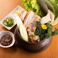料理メニュー写真壺豚カルビセット(サンチュセット付き)