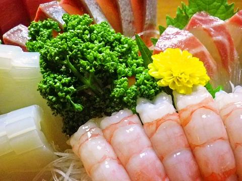 旬の海鮮料理を味わいながら、ゆったりとくつろぎの時間を過ごせるお店
