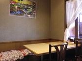広々とした空間で、子供連れの家族でものんびりと食事ができる。