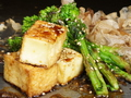 料理メニュー写真菜の花と厚揚げのチャンプルー