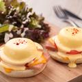料理メニュー写真長野県産の新鮮卵を使ったポーチドエッグにオリジナルオランデーズソースがベストマッチ!
