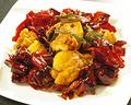 料理メニュー写真【辣子鶏塊】鶏唐揚げの唐辛子と山椒炒め