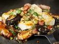 料理メニュー写真豆腐と椎茸のガーリックバターしょうゆ焼き