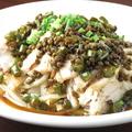料理メニュー写真よだれ鶏/蒸し鶏の青山椒風味