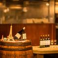 お気軽に立ち飲みスペースが店内にはございます。渋谷にお越しの際は是非ご利用下さい。樽ワインは6種類のALL¥500円からご用意しております。メニューにはチーズ盛りやピクルスなどお酒にピッタリなおつまみ多数ご用意致しております。是非、ご賞味ください。【渋谷 イタリアン ワイン 飲み放題 スイーツ カフェ】