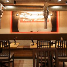 4Fテーブル席♪デートにぴったりの2名席!!当店が誇る韓国おしゃれ空間で美味しい韓国料理を食べて幸せに♪是非ご利用ください!