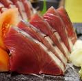 料理メニュー写真カツオの刺身
