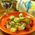 料理メニュー写真クリームチーズとまるごとトマトのカプレーゼ
