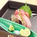 料理メニュー写真その日の美味しい魚を使ったお造り等の逸品料理