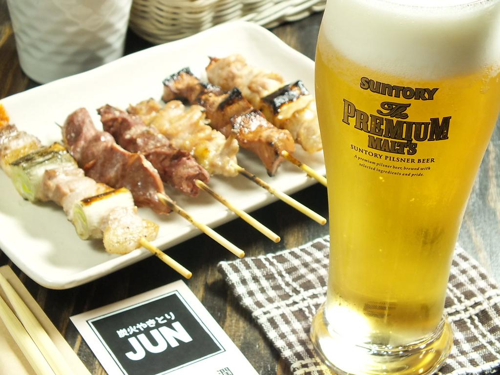 焼鳥6本盛りあわせ500円とビックリ価格でご提供♪リーズナブルにお腹いっぱい楽しめる!!