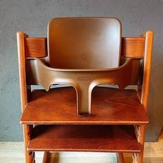 お子様専用のいすもご用意しております!