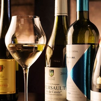 60種以上を取り揃えるワイン