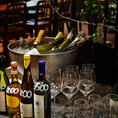 充実のワインリスト。世界各国のワインを!