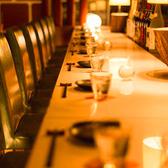 テーブル席も大人気。デザイナーが手掛けたお洒落なつくりになっておりますのでデートや大切なお食事にもぴったりです。雰囲気のある店内で、美味しいお食事をいただけば、会話も弾みます。