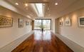 2階のギャラリーでは毎月様々な展覧会を開催しております