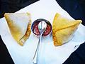 料理メニュー写真ベジタブルサモサ(2ピース)