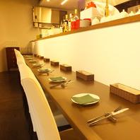 カウンター・テーブルともにオシャレな空間を演出☆