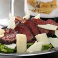 料理メニュー写真熟成鹿肉チーズ