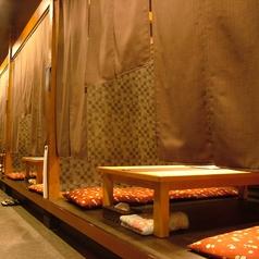 当店のお席はプライベート感を重視したつくりとなっています。落ち着いた雰囲気でお食事をお楽しみください。