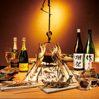 囲炉裏を囲んで旨い肴と旨い酒を楽しむ贅沢を...