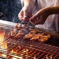 豚串が主役のこだわり室蘭やきとり。豚肉とタマネギを串焼きにした地元で80年以上愛される一品。創業昭和8年北海道の渋醸造の調味料などを使用してこだわった甘口タレとからしが食材の味わいを引き立てます。熱々のうちにお召し上がりいただくのがGOOD!