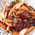 料理メニュー写真豚足の干し鍋/鶏の干し鍋