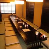 2Fのお席は4名から7名様テーブルがございます。4から25名様まで対応可能です。