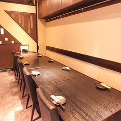 フロアーに並ぶテーブル席です◎ つなげれば合計で10名様までご使用になれます☆