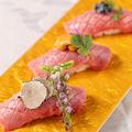 料理メニュー写真神戸牛の極上肉寿司盛り合わせ 3貫