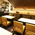 【ソファー席】ゆったりお過ごしいただけるように、1席づつのスペースを広くとっています★