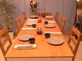 6名様用テーブル席。