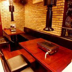 【会社宴会にオススメ】最大8~10名様までご利用頂けるテーブル席をご用意しております。