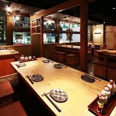 1)テーブル席(~4名様)