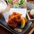 料理メニュー写真鶏の唐揚げ/なんこつの唐揚げ