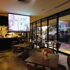 cafe&diner FLOWERS 中之島バンクスの雰囲気1
