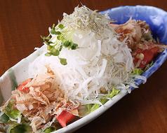 料理メニュー写真朝どれシラス鉄板さっぱり大根サラダ